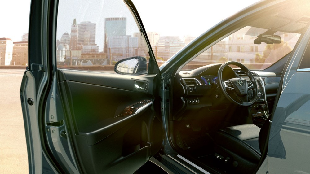 toyota_camry_2014_highlights_comfort_tcm_3046_264444